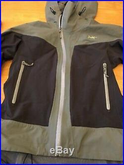 Womens Arcteryx Hooded Soft Shell jacket Medium